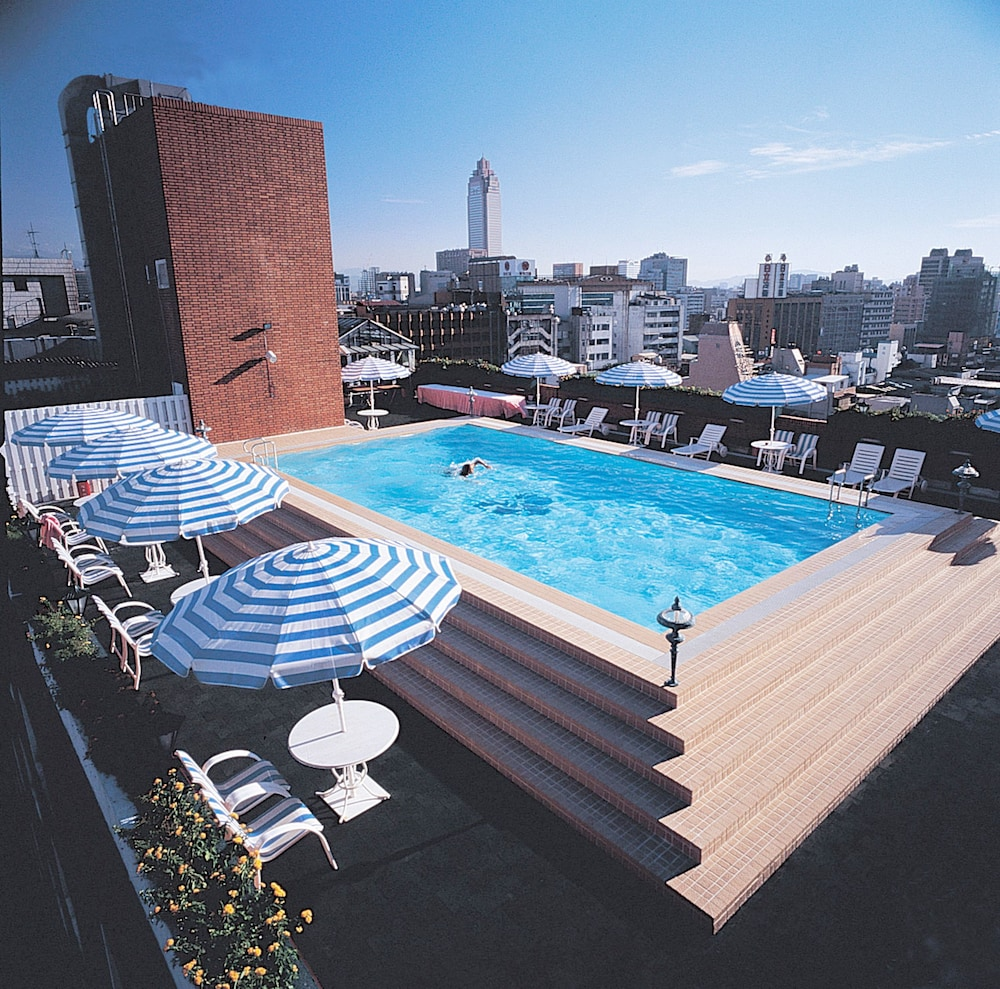 Hotel royal nikko taipei pre os promo es e coment rios for Piscina no terraco e perigoso