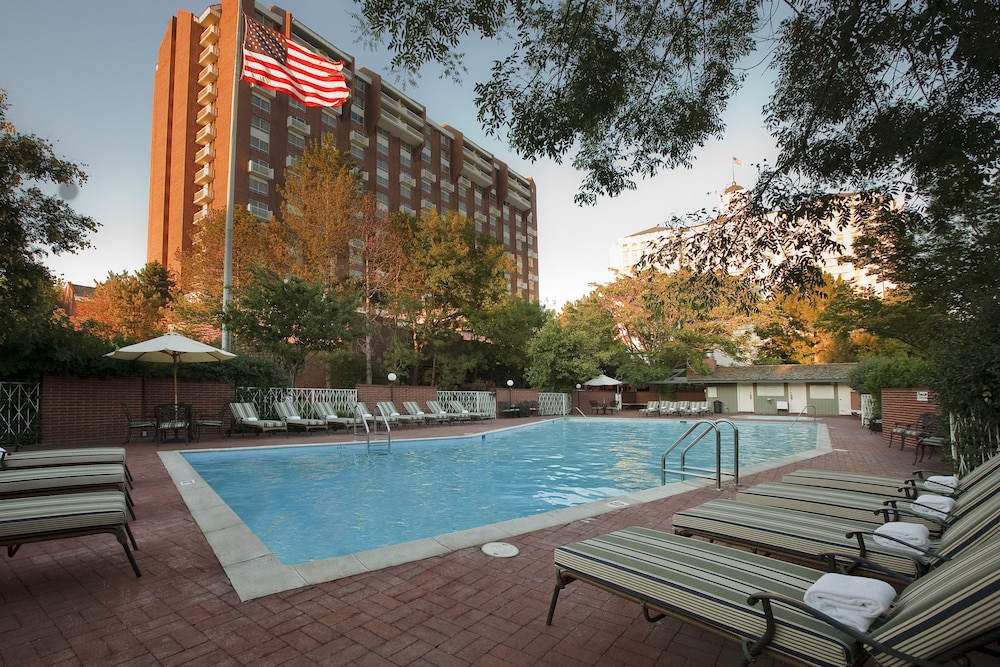 Outdoor Pool, Little America Hotel