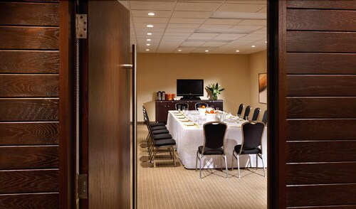Meeting Facility, Cambridge Suites Hotel