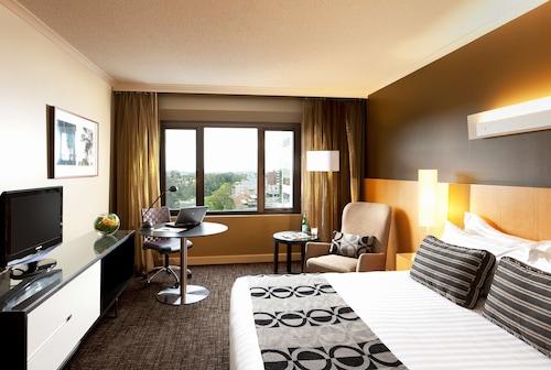 帕拉马塔皇冠假日酒店