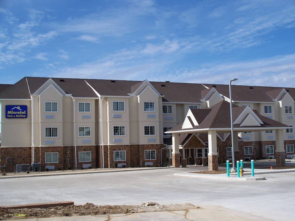 The Microtel Inn and Suites is just minutes from the BWI Airport, and has been ranted one of the highest in guest satisfaction for an economy/budget hotel chain. Guest rooms are loaded with amenities, including TV, microwave, refrigerator, coffeemaker, hairdryer, iron with ironing board, and an alarm clock.