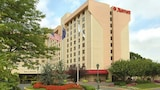 New York LaGuardia Airport Marriott - East Elmhurst Hotels
