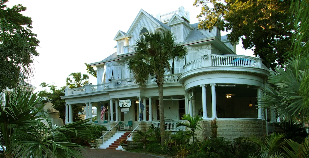 Front of Property, Amsterdam's Curry Mansion Inn