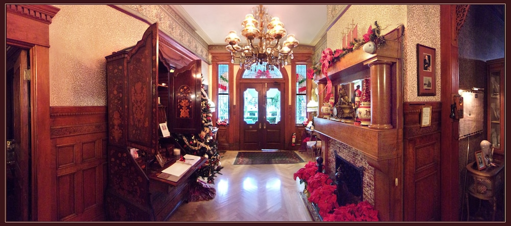 Interior Entrance, Amsterdam's Curry Mansion Inn