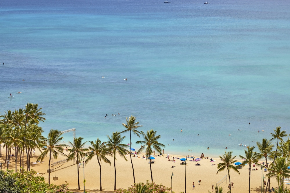 Beach, Queen Kapiolani Hotel