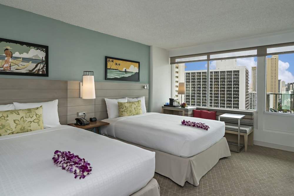 Room, Queen Kapiolani Hotel