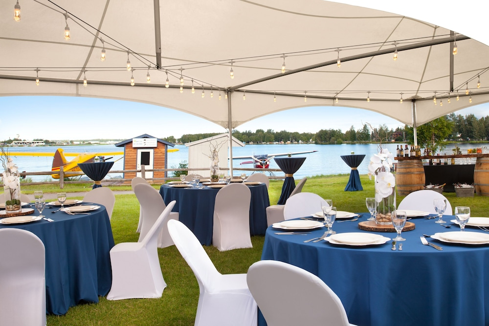 Outdoor Banquet Area, The Lakefront Anchorage