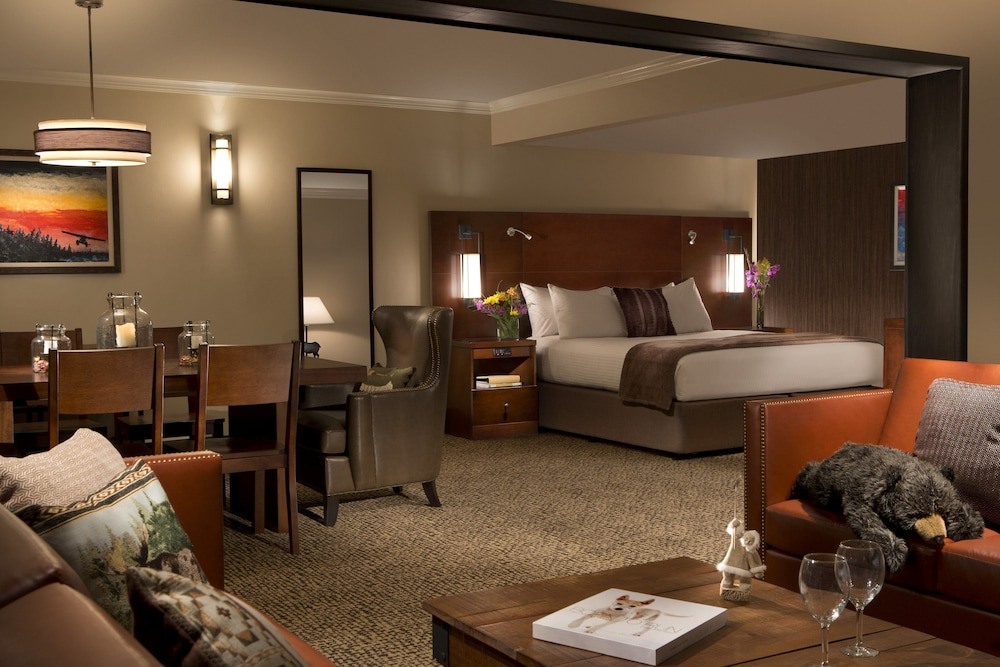 Room, The Lakefront Anchorage