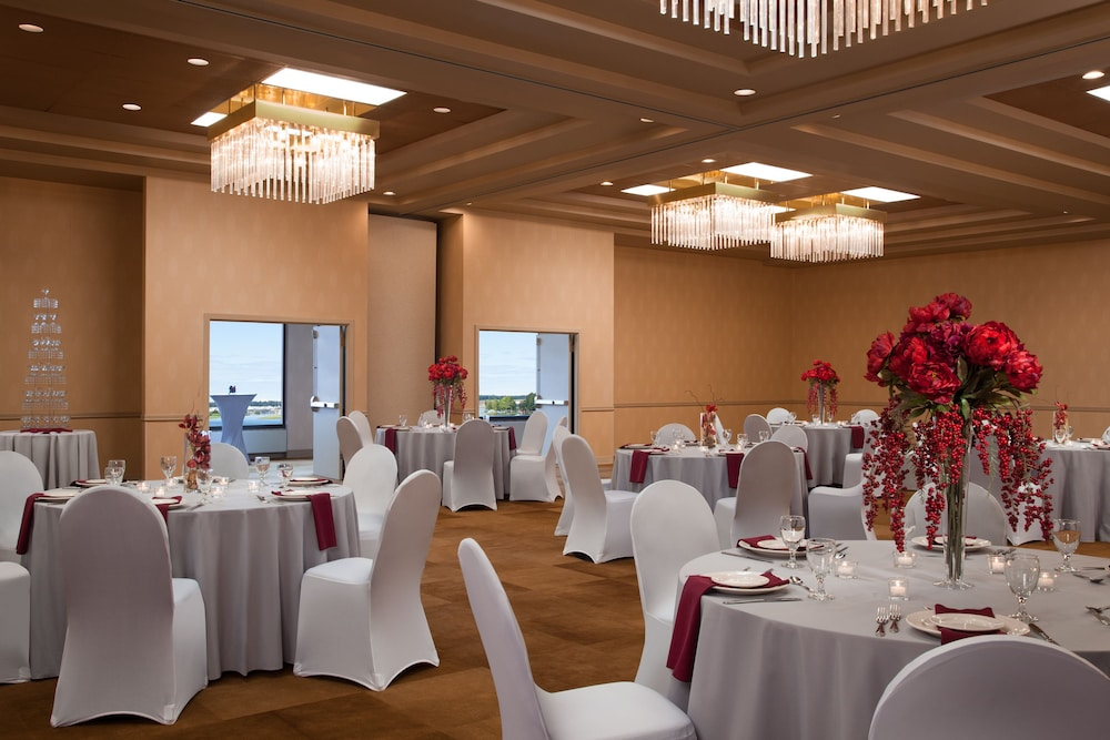 Banquet Hall, The Lakefront Anchorage