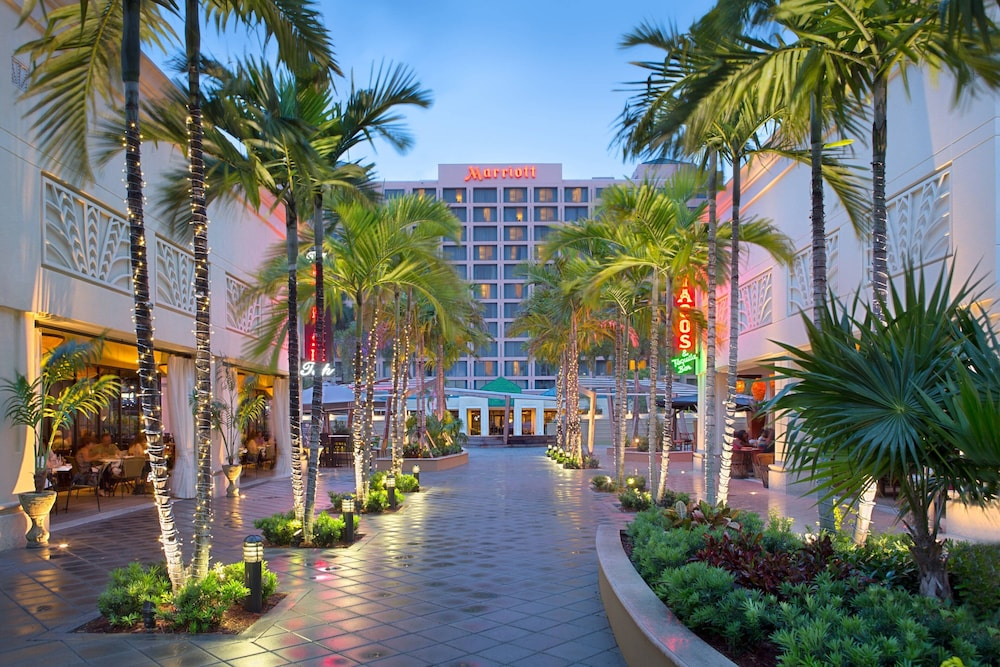Exterior, Boca Raton Marriott at Boca Center