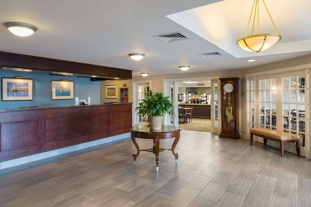 Lobby, Ramada by Wyndham Boston
