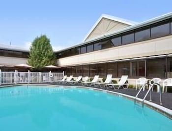 Pool, Ramada by Wyndham Boston