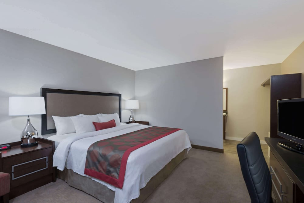 Room, Ramada by Wyndham Boston