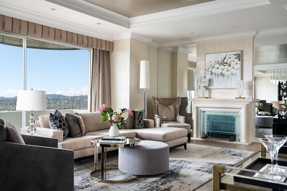 Living Room, Four Seasons Los Angeles at Beverly Hills