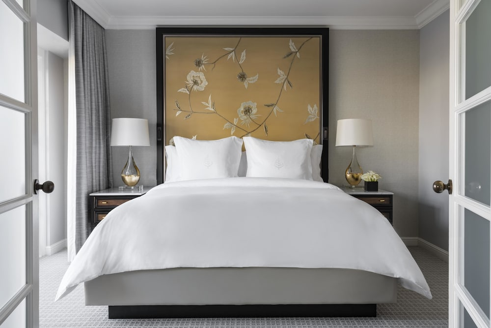 Room, Four Seasons Los Angeles at Beverly Hills