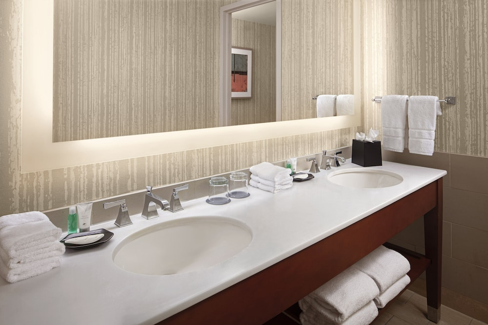 Bathroom, The Westin Cincinnati