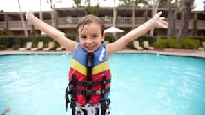 2 個室外泳池;小屋 (收費)、泳池傘