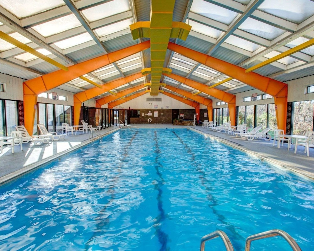 Indoor Pool, Comfort Inn Conference Center