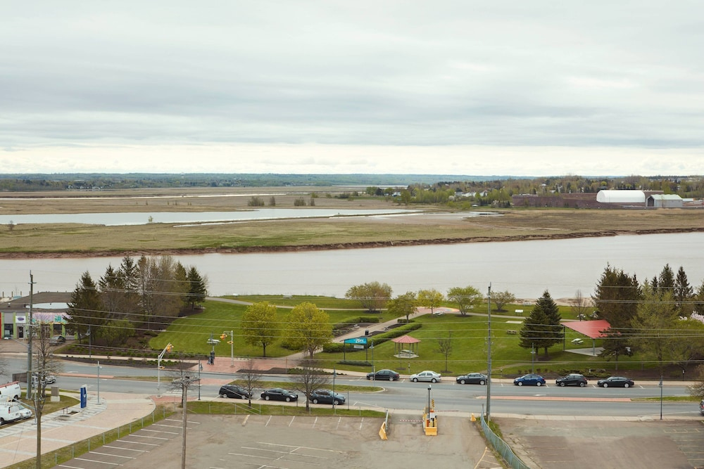 Water view, Delta Hotels by Marriott Beausejour
