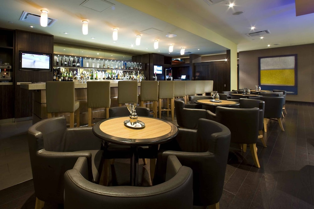 Bar, Delta Hotels by Marriott Beausejour