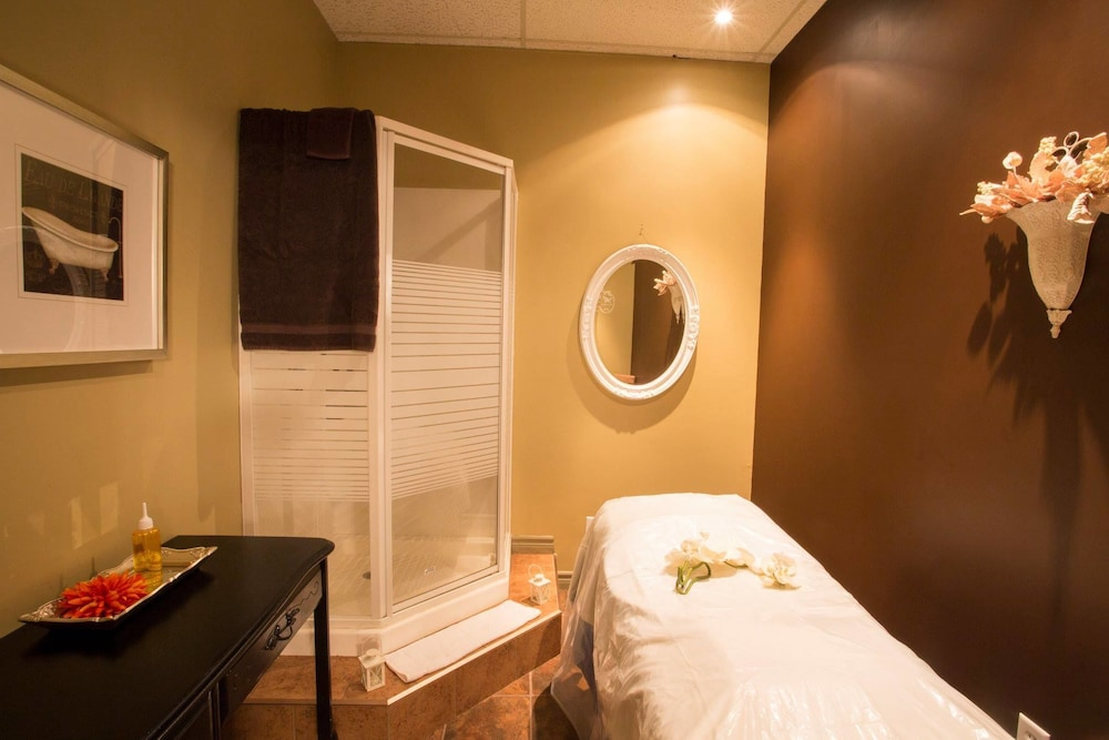 Treatment Room, Delta Hotels by Marriott Beausejour