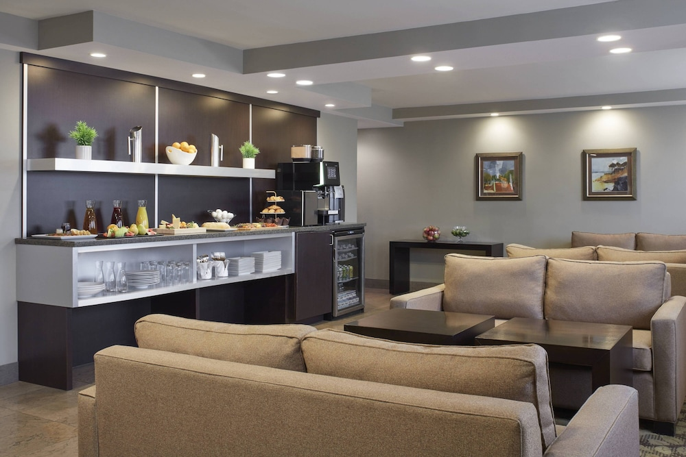 Lounge, Delta Hotels by Marriott Beausejour