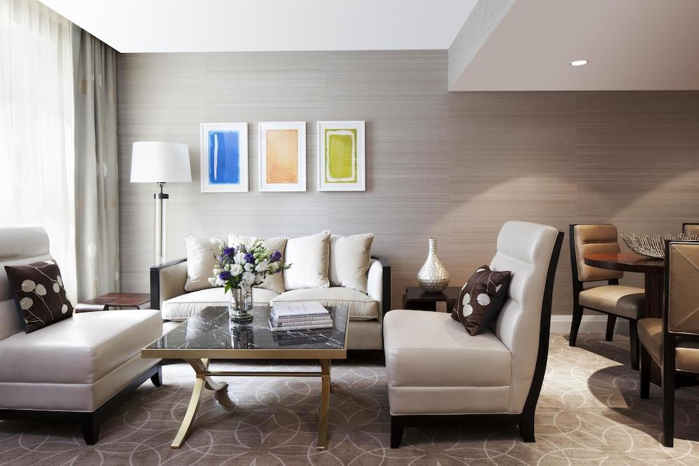 Rosewood Hotel Georgia: 2019 Room Prices $259, Deals