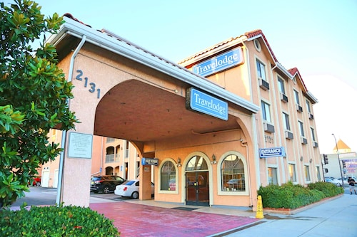 Travelodge by Wyndham Pasadena Central