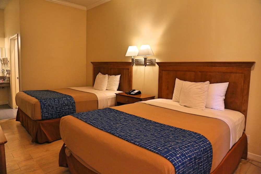 Room, Travelodge by Wyndham Pasadena Central
