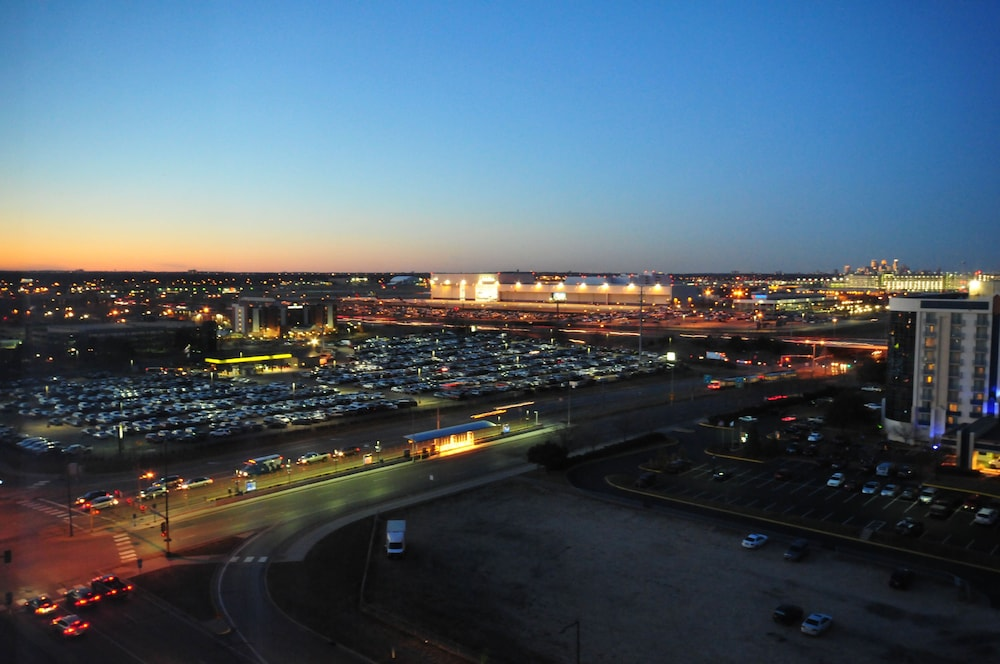 Crowne Plaza Aire MSP Airport - Mall of America in