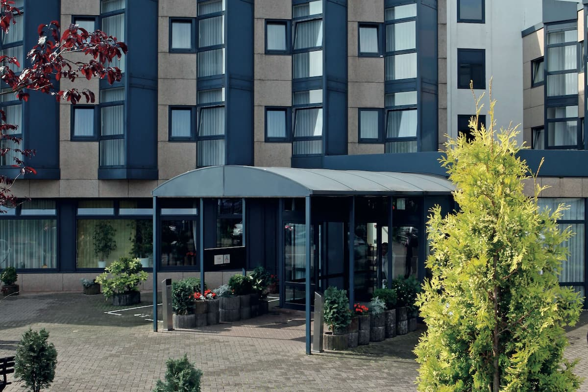 H Hotel Koln Bruhl In Cologne Germany Expedia