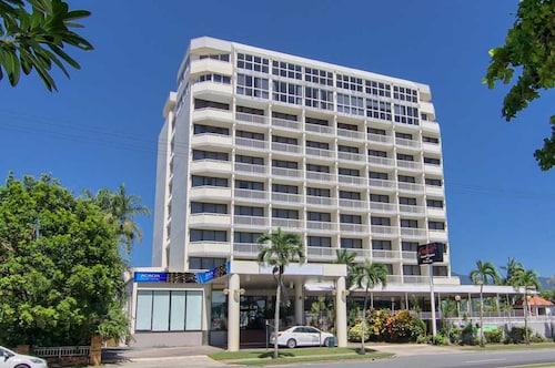 Acacia Court Hotel