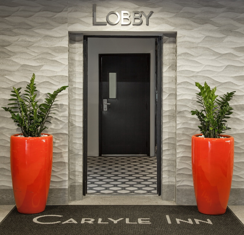Property Entrance, Carlyle Inn