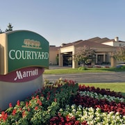 Courtyard Chicago Waukegan Gurnee