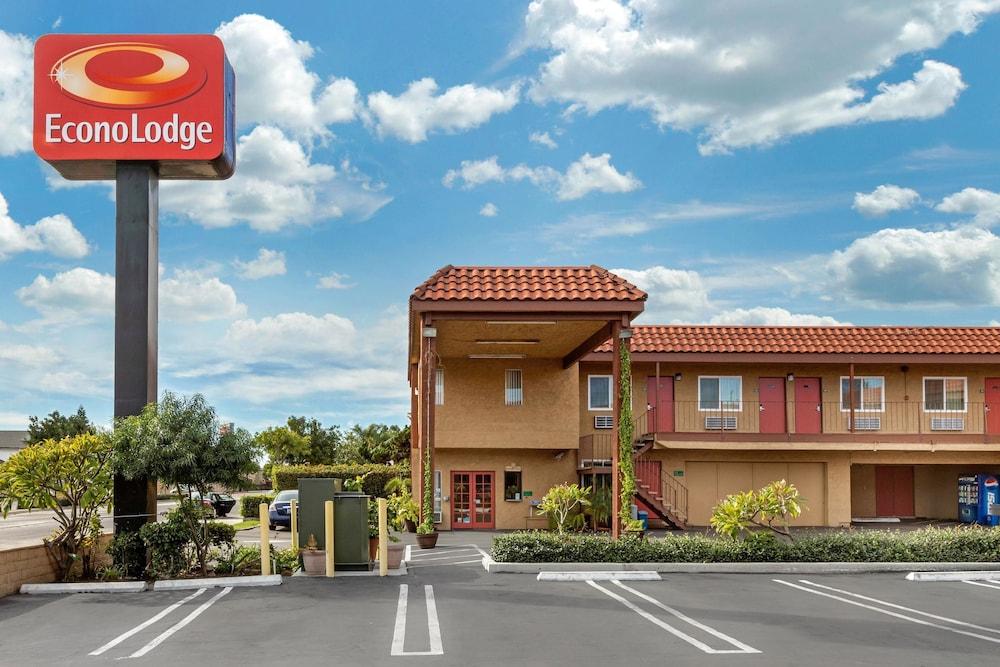 Econo Lodge Carson near StubHub Center: 2019 Room Prices $104, Deals