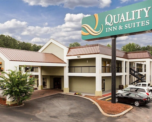 Great Place to stay Quality Inn & Suites at Six Flags near Lithia Springs