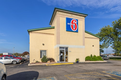 Check Expedia for Availability of Motel 6 Moline