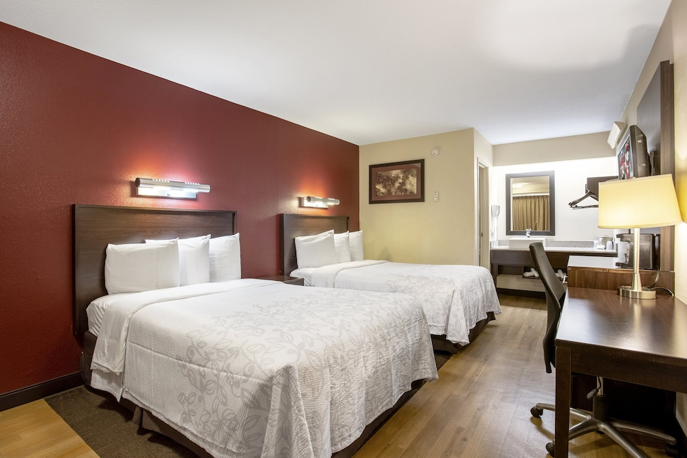 Room, Red Roof Inn PLUS+ Chicago - Naperville