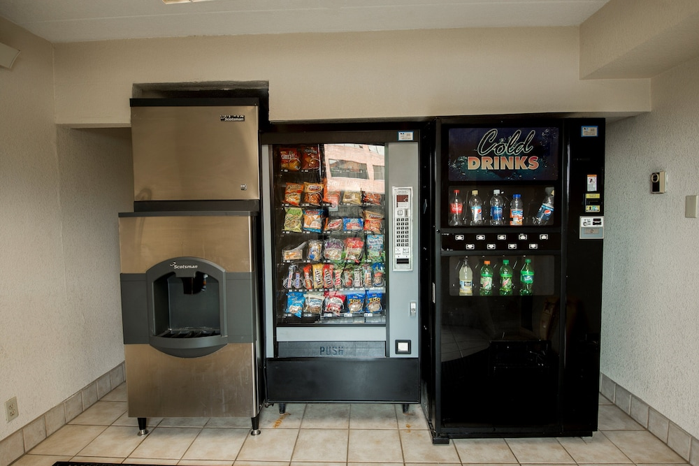 Vending Machine, Red Roof Inn PLUS+ Chicago - Naperville