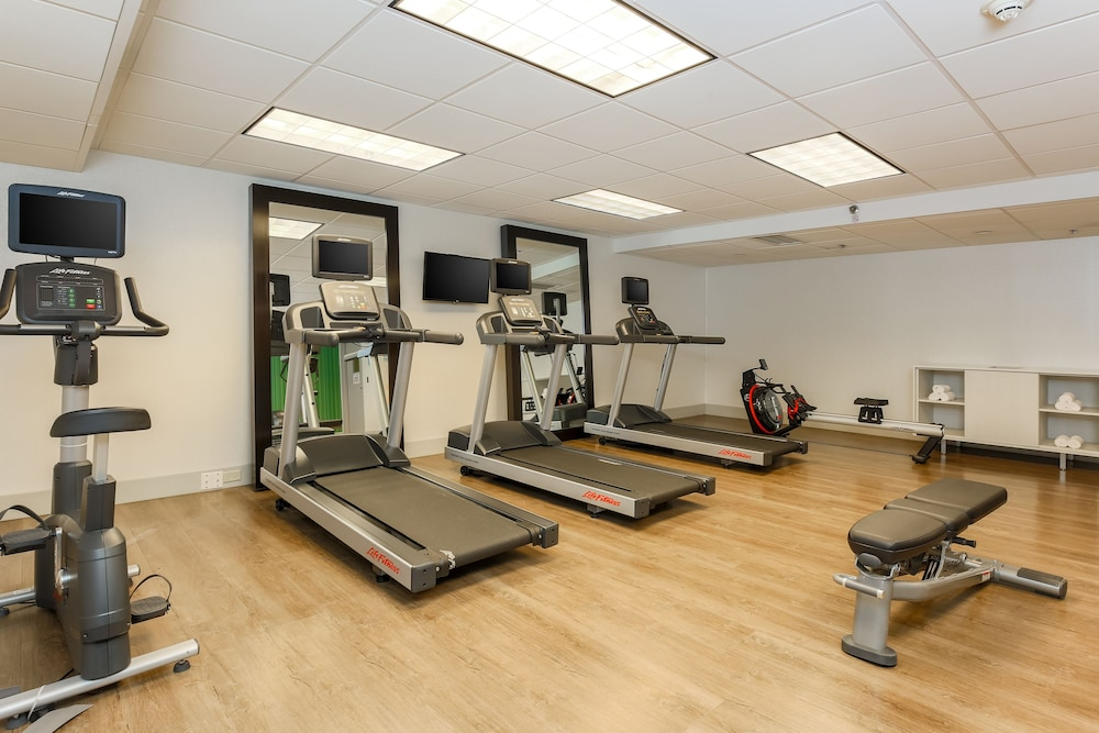 Fitness Facility, Holiday Inn Express Milwaukee-West Medical Center