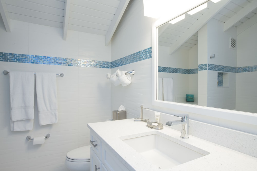 Bathroom, Villas of the Galleon