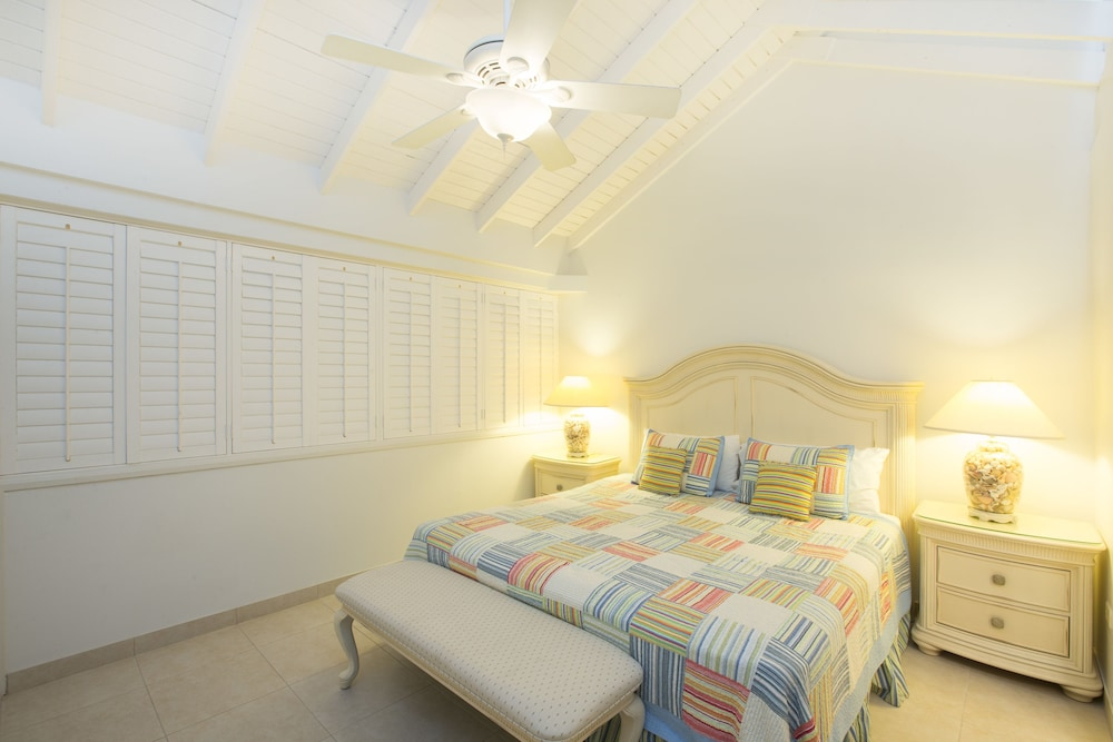 Room, Villas of the Galleon