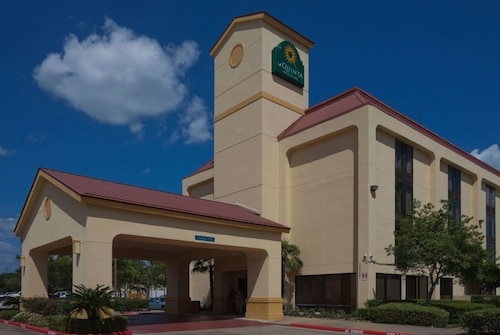 La Quinta Inn & Suites by Wyndham Houston Stafford Sugarland