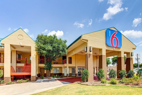 Motel 6 Arlington TX