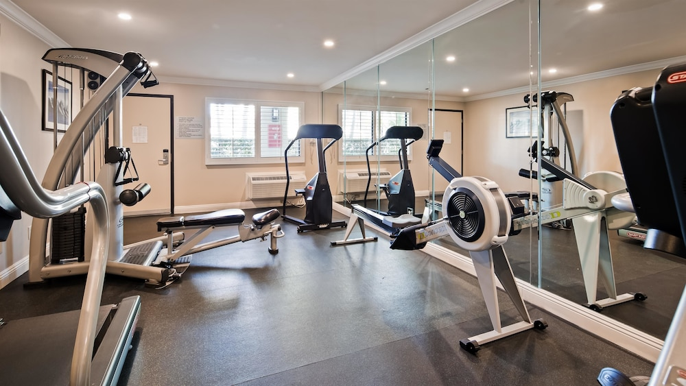 Fitness Facility, Best Western Plus Orange County Airport North