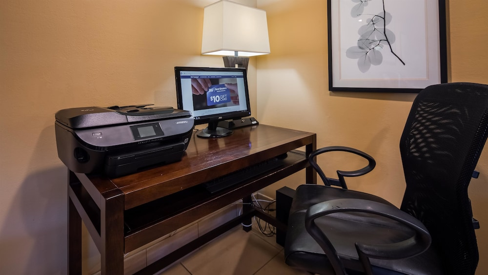Business Center, Best Western Cordelia Inn