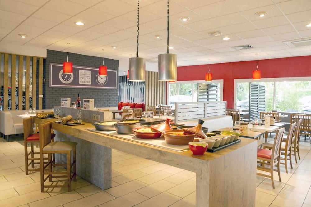 Ibis laval le relais d 39 armor mayenne france for Equipement restaurant laval