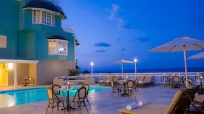 5 outdoor pools, cabanas (surcharge), sun loungers