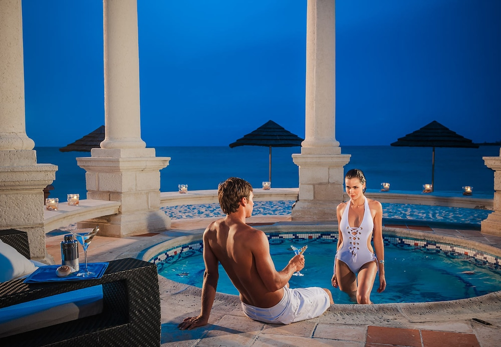 Outdoor Spa Tub, Sandals Royal Bahamian - ALL INCLUSIVE Couples Only