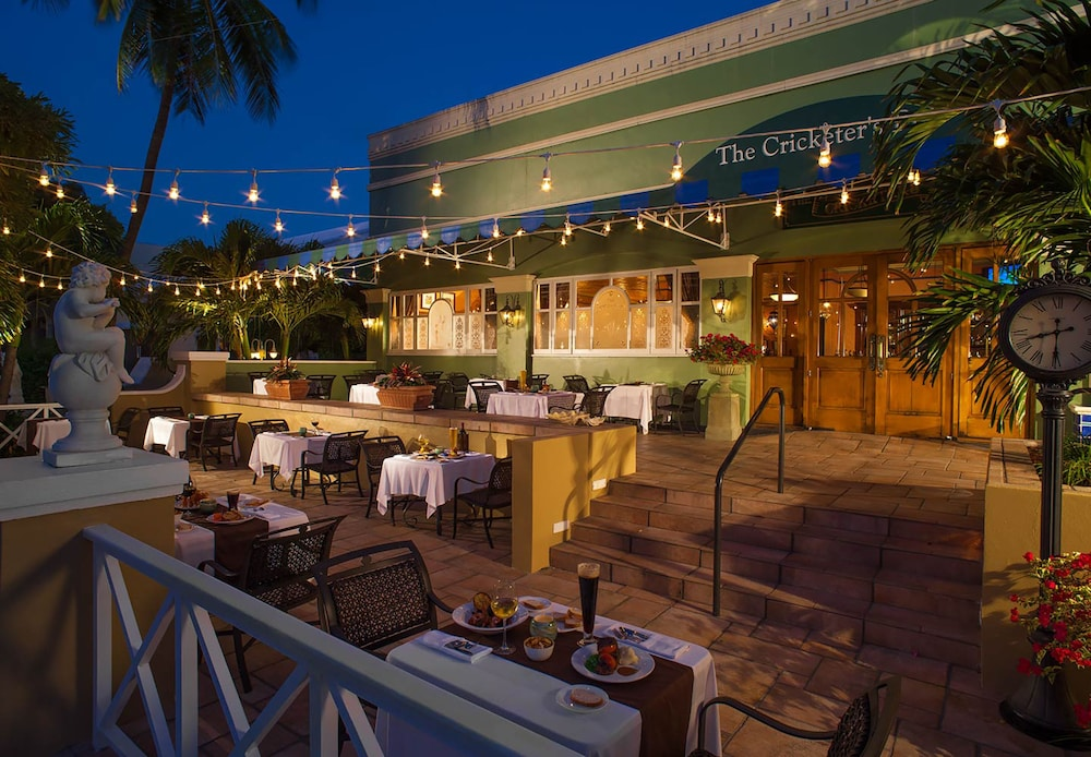 Sports Bar, Sandals Royal Bahamian - ALL INCLUSIVE Couples Only